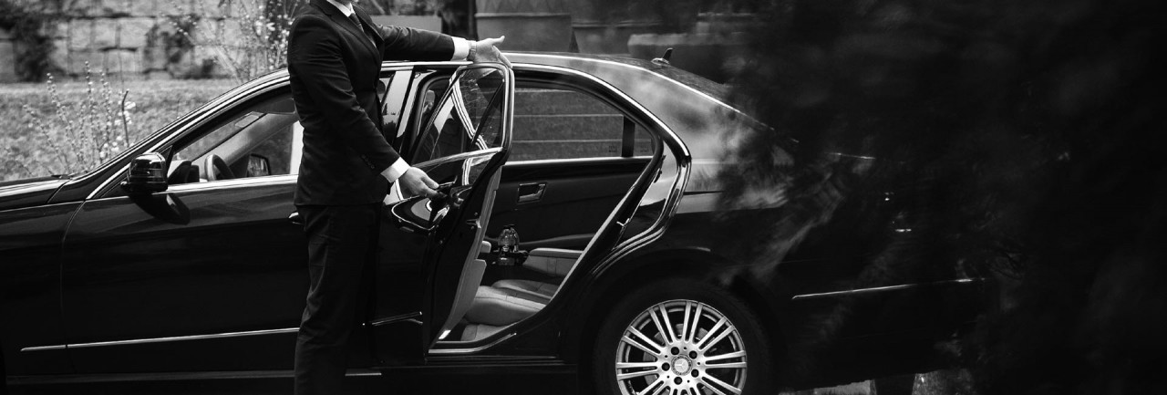 PHS Job 375, Live-out Chauffeur, London. Salary: 35,000GBP/year.