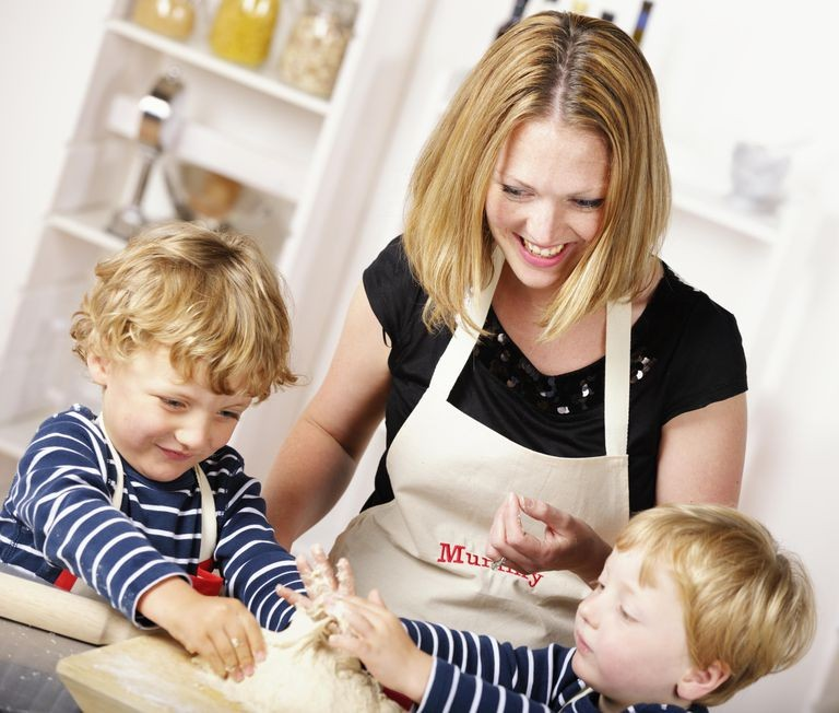 PHS Job 1510, Nanny, Live In, Full Time, East Sussex, 45,000.00 GBP/Year Gross