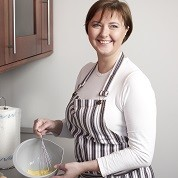 PHS Job 1579, Full-time Housekeeper/Cook Job, Live-out Housekeeper/Cook Job, Permanent Housekeeper/Cook Job, Leicestershire Job, 34663 GBP/year