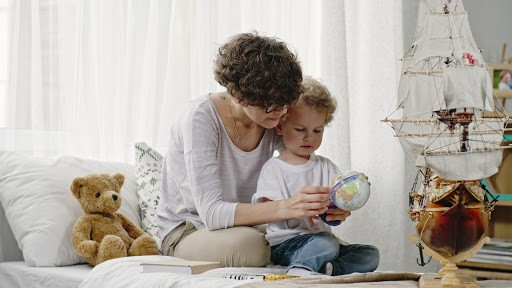 PHS Job 1633, Russian Speaking Nanny Job, Full Time Nanny Vacancy, Live IN Nanny Position, London, Salary Negotiable