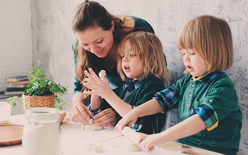 PHS 1642, Full Time Nanny / Cook Position, Live IN or Live OUT Nanny / Cook Vacancy, Oxford Nanny Job, Gross Salary: 14-16 GBP per hour